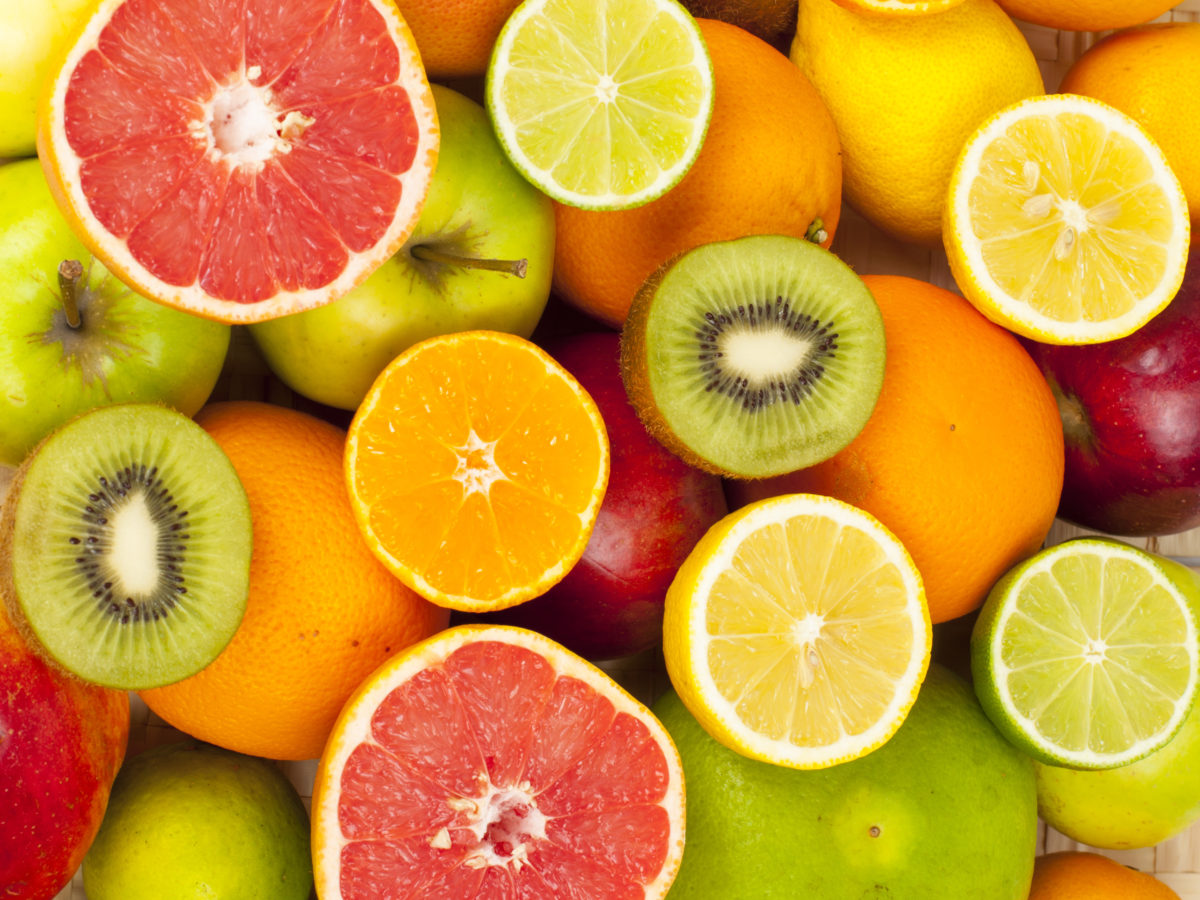 Citrus fruit that contains vitamin C